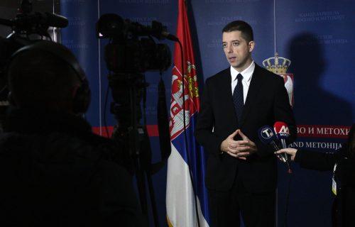 Đurić: ''Obećavajući Vučiću 'cev u glavu', Vesna Pešić dokazala da je politički ekstremista''