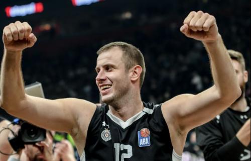 """Košarkaši Partizana krimosi iz """"Južnog vetra""""! Jedan je potpuno iznenadio! (FOTO)"""