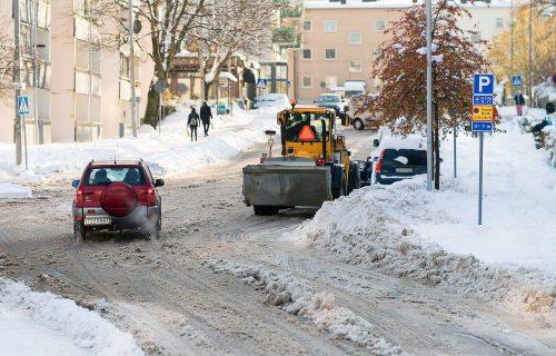 Nevolje zbog snega: OBUSTAVLJEN saobraćaj za teretna vozila na teritoriji Užica