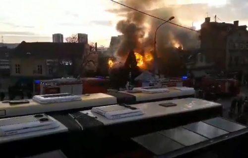 Gust dim nad centrom grada: Požar na Zelenom vencu (VIDEO)