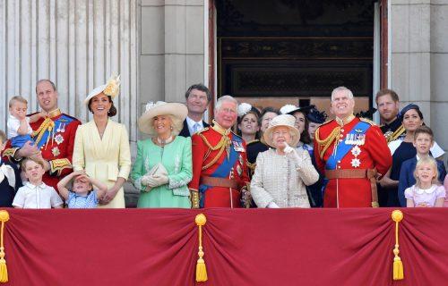 Najavljen urnebesno smešan crtać o engleskoj kraljevskoj porodici