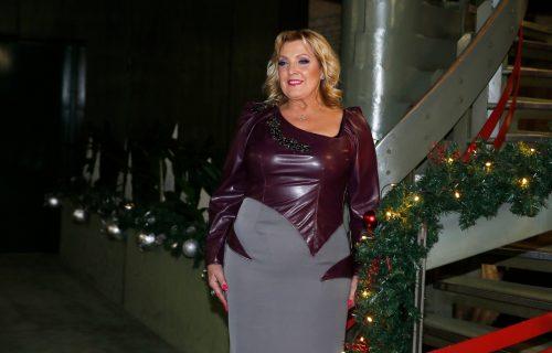 NAJPONOSNIJA BAKA: Slavlje u porodici Snežane Đurišić, čestitke stižu sa svih strana! (FOTO)