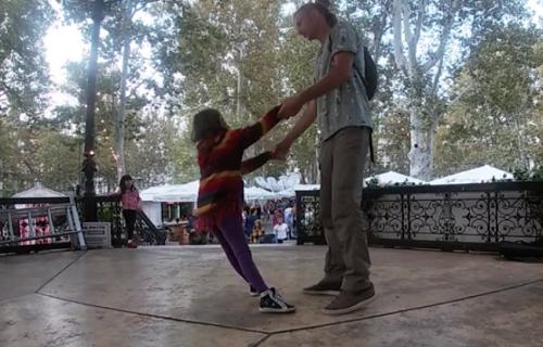 """Ljubav, toplina, pažnja, snaga i vera: Film """"Ona, ja i nas dvoje"""" (VIDEO)"""