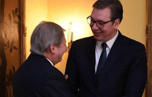 Vučić sa Hanom u Minhenu u okviru bezbednosne konferencije i o kvotama za čelik (FOTO)