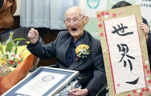 Najstariji čovek na svetu voli slatkiše i otkriva tajnu dugovečnosti