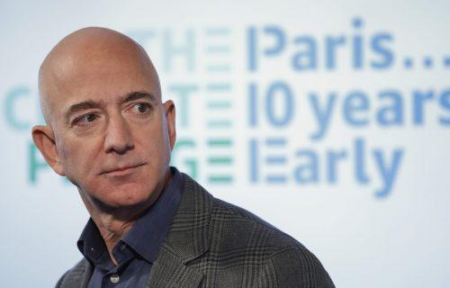 Izgubio 14 MILIJARDI u danu: Džef Bezos više nije najbogatiji na svetu - evo ko ga je PRETEKAO (FOTO)