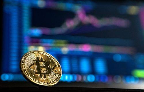 Strmoglav PAD! Bitkoin izgubio 30 posto vrednosti, ko je ulagao imaće ogroman NOVČANI GUBITAK