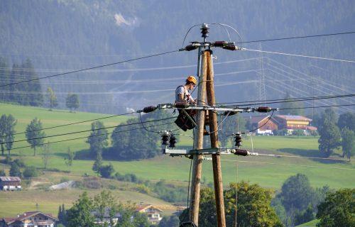 Srbija kupila deo energetskog prenosnog sistema Crne Gore, sada poseduje 15 odsto