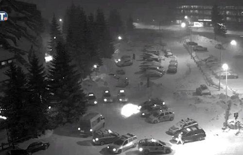 Snežna oluja na Kopaoniku - udari vetra do 90 km na čas (VIDEO)