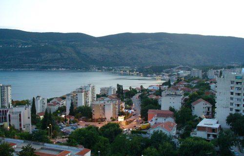Hosteli i auto-kampovi PRAZNI: U Herceg Novom 92 odsto manje gostiju