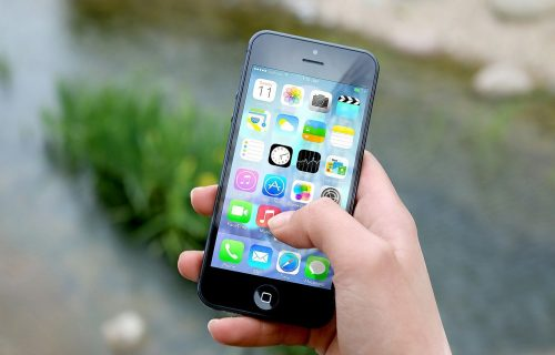 iPhone vlasnici traže odgovore: Blokirano više HILJADA aplikacija, a Viber je jedna od njih