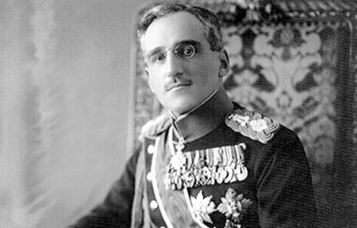 Aleksandar Karađorđević je preko celih grudi imao tetovažu, i to simbol drevne moći (FOTO)