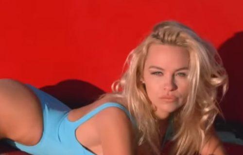Oporavila se od LJUBAVNOG UŽASA! Pamela Anderson izjavila GROZNE STVARI na račun francuskog fudbalera! (FOTO)