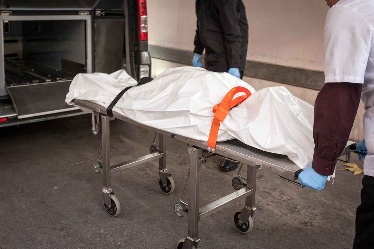 """Krici odjeknuli u MRTVAČNICI: """"Leš"""" prekinuo svoje BALZAMOVANJE, radnici  bežali glavom bez obzira (FOTO) - Objektiv"""