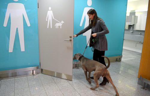 Četvoronožni putnici dobijaju posebne toalete na ovom aerodromu
