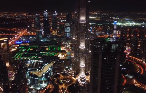 TAPŠE SE I U DUBAIJU: Pogledajte kako se u UAE odaje počast medicinarima (VIDEO)
