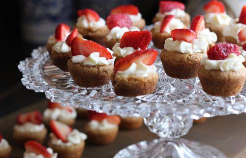 Jede vam se nešto slatko a postite? Isprobajte ova 4 slatkiša!
