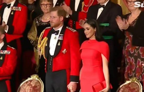 ZA NJU JE SVE TO NOVO! Princu Hariju je bilo NEPRIJATNO dok je Megan Markl uživala pod svetlima reflektora (FOTO+VIDEO)