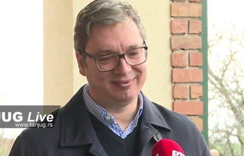 """Vučić se ne boji koronavirusa: """"Najbolje bi bilo da me stave u karantin do 26. aprila!"""""""