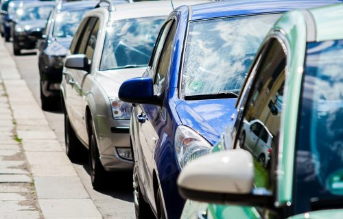 Novi TikTok izazov zabrinuo vlasnike automobila: Svima se savetuje da pre vožnje provere točkove (VIDEO)