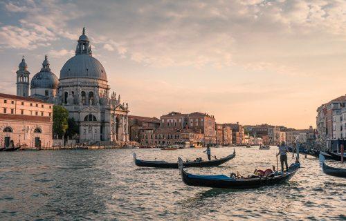 Poseta Veneciji više neće biti ista: Turisti će morati da rezervišu i plate ulaz, ali to nije NAJGORE