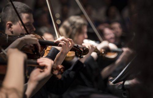 Bogat repertoar: Domaće muzičke zvezde i Filharmonija uz svoju publiku
