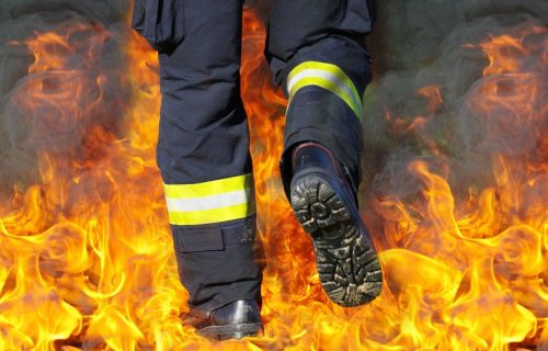 Vatrogasac iz Bijeljine povređen u eksploziji tokom gašenja požara