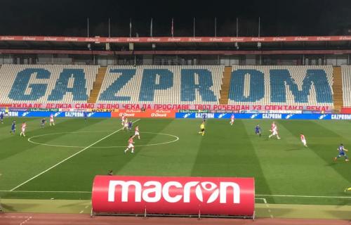 """Pirotehničko ludilo na praznoj Marakani: Ovako su """"Delije"""" ispratile igrače Zvezde na utakmicu sezone!"""