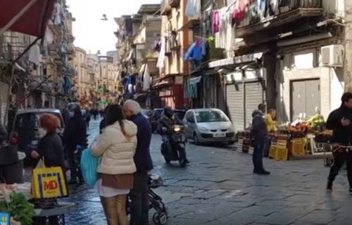Pogledajte kako je danas izgledala pijaca u Napulju (VIDEO)