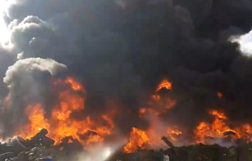 Nad Pljevljima gust crni dim, preti da preraste u ekološku katastrofu (VIDEO)