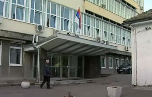 """""""Hvala, Srbijo!"""": Holandski novinar poslao MOĆNU PORUKU nakon što je primio vakcinu u KBC Zemun (FOTO)"""