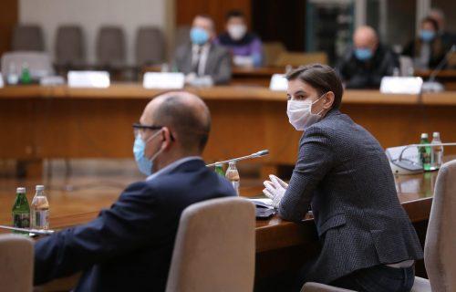 IZAŠLI SMO IZ ZONE OPASNOSTI: Nazire se kraj epidemije u Srbiji!
