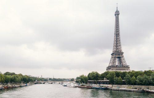 AUKCIJA: Prodato 14 stepenika AJFELOVOG tornja, stari su 130 godina, a koštali skoro 300 hiljada evra