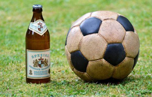 """ALKOHOL JUNAJTED! Prva postava fudbalera pijanaca! Neke je piće čak i ubilo, nekima """"samo"""" uništilo karijeru!"""