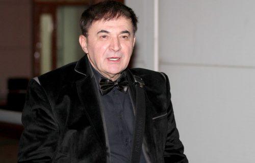 Mitar Mirić otkrio da li je PLAKAO zbog koleginice: Nisam slab na MLAĐE žene, ja sam srećno OŽENJEN