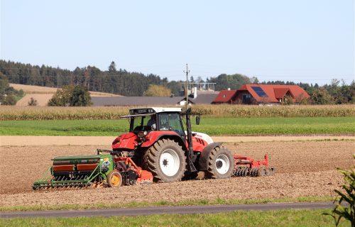 U Srbiji ćete moći da BESPLATNO koristite 50 hektara zemlje, ali pod jednim uslovom
