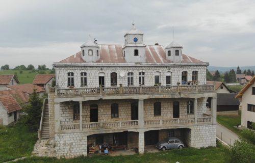 Mnogo puta ste prošli pored ovog dvorca, u čije zidove su utkani srpska istorija i herojstvo (FOTO+VIDEO)