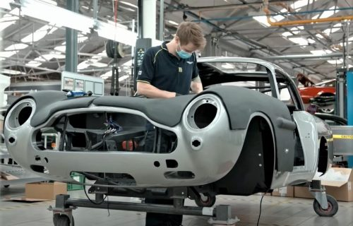 Aston Martin pravi čuveni DB5 sa gedžetima Džejmsa Bonda: Cena je neverovatna (VIDEO)
