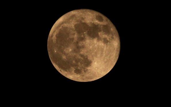 Mesec