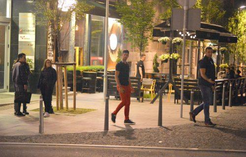 ŠOK U BEOGRADU! Bio je to običan izlazak u kafanu, a onda im se priključio Novak Đoković! (FOTO)