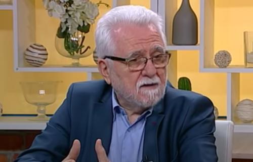 """Glavni organizator protesta """"Ekološki ustanak"""" Radovanović tvrdi: Srbi ne umiru zbog NATO bombi (VIDEO)"""