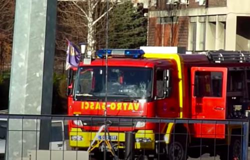 EVAKUACIJA zgrade na Novom Beogradu: Izbio veliki požar