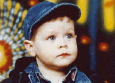 Danas bi imao 23 godine: Pre tačno 21 godinu NATO je ubio Marka (2) u očevom naručju (FOTO)