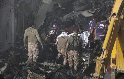 Svet u neverici: Među stradalima u avionskoj nesreći i slavna manekenka? Troje putnika preživelo pad (FOTO)