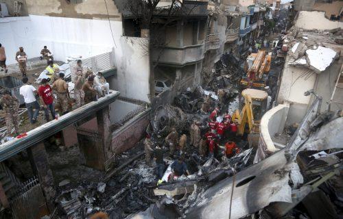 Samo dvoje preživelo pad aviona u Pakistanu, jedan je predsednik velike banke
