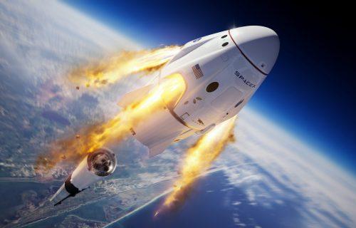 Na istorijski let u svemir ukrcao se i NEOBIČAN PUTNIK: Da li ste ga primetili? (FOTO)