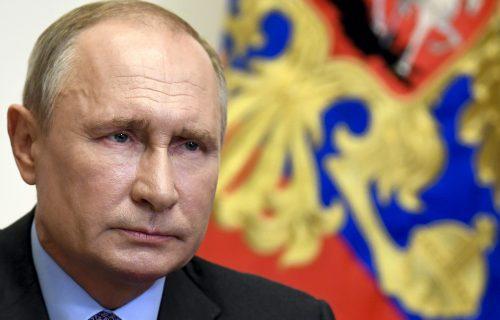 Putin se vratio u Kremlj: Nekoliko nedelja predsedavao sastancima putem video-konferencije