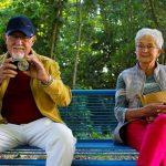 Deda iz Srbije traži ženu, a oglasom ZALUDEO REGION: Ima penzije, vile, stan u Londonu i kabriolet