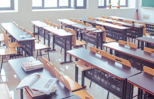 """Razredni ZAPROSIO učenicu odmah nakon završene Gimnazije na jugu Srbije: """"Ne vidim problem, punoletna je"""""""