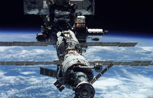 Američki astronauti pristali na Međunarodnu stanicu! Svemir igrao u ritmu rokenrola (FOTO+VIDEO)